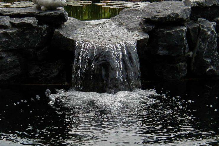 Waterbeheer. zuurstof met een waterval